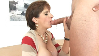 Horny Mature Loves Warm Cum in her Mouth